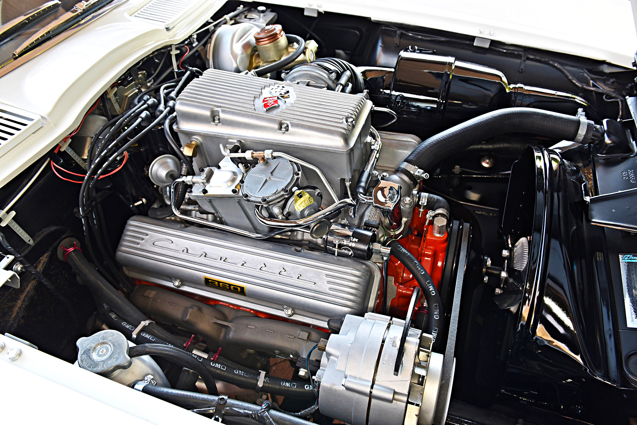 Rare Big-Tank Z06 1963 Corvette Hits the Streets